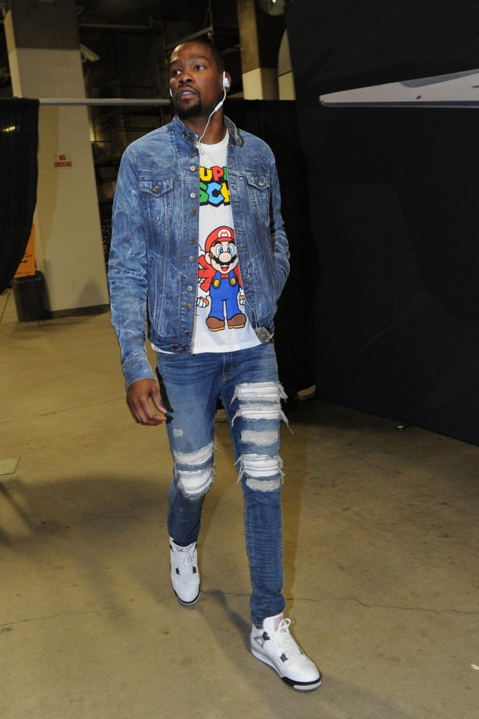 Kevin Durant #35 of the Oklahoma City Thunder arrives for Game One of the Western Conference Finals against the Golden State Warriors during the 2016 NBA Playoffs on May 16, 2016 at Oracle Arena in Oakland, California.