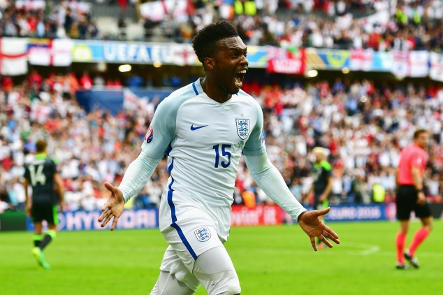 LENS, FRANCE - JUNE 16: Daniel Sturridge of England celebrates England's second goal during the UEFA EURO 2016 Group B match between England and Wales at Stade Bollaert-Delelis on June 16, 2016 in Lens, France. (Photo by Dan Mullan/Getty Images)