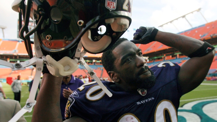 57bf9a974 Baltimore Ravens  Ed Reed (20) walking off the field after the Ravens  defeated the Baltimore Ravens 27-9 during an AFC wild-card playoff NFL  football game ...