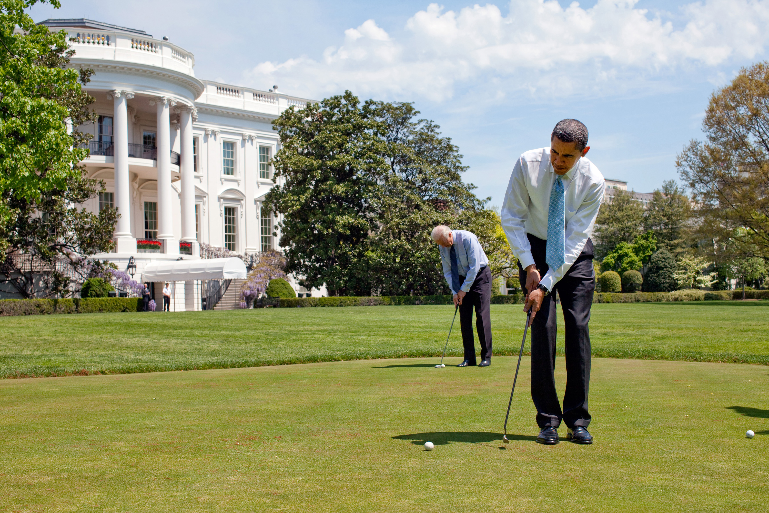 obama-putting-with-biden
