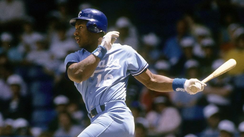 fc686eb4e81f50 Bo Jackson's first home run