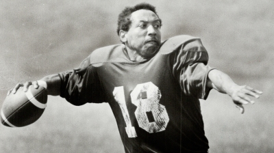 Chuck Ealey rears back to throw a pass on his first day back with the Argonauts