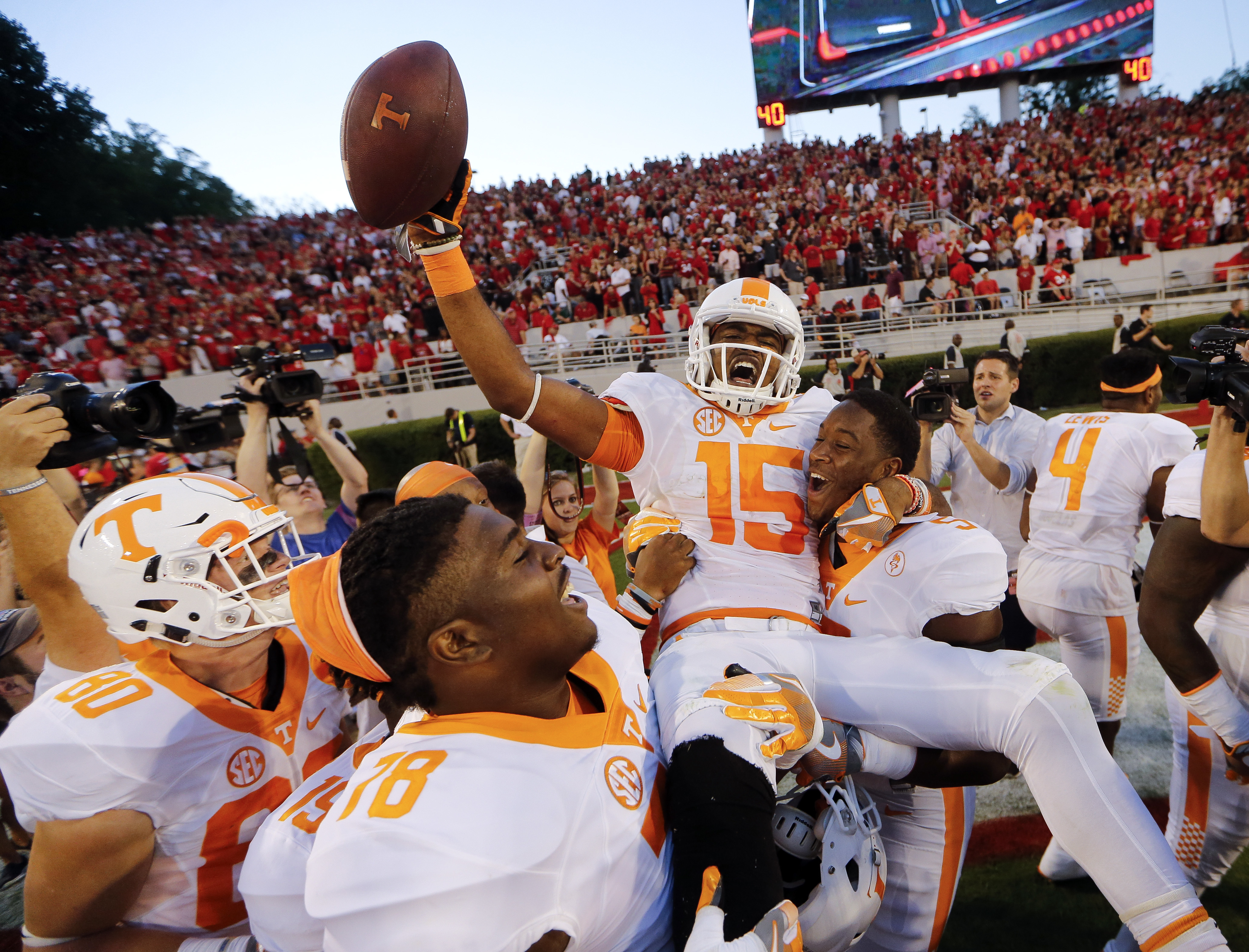 Jauan Jennings,Kyle Phillips,Charles Mosley