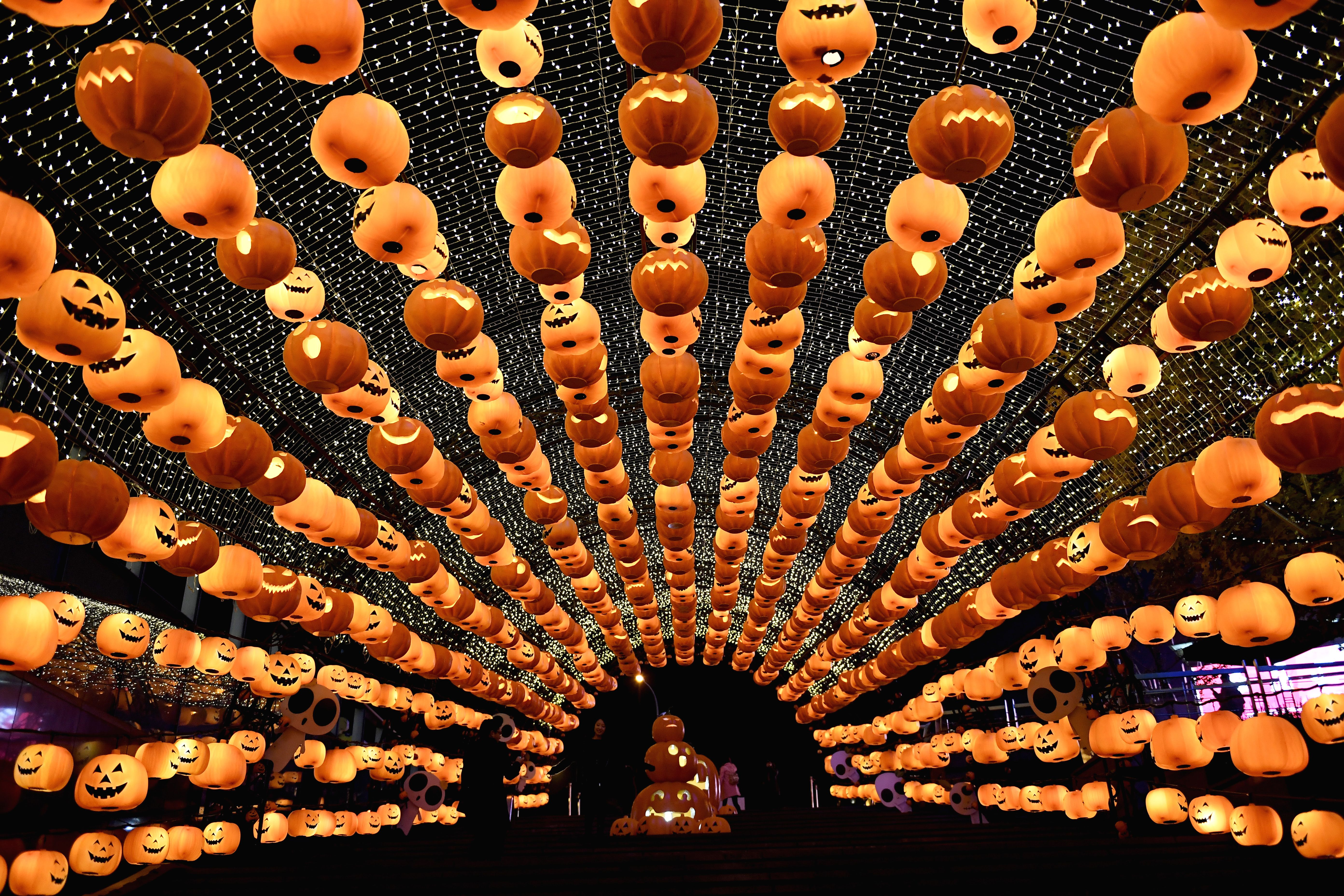 TOPSHOT-CHINA-FESTIVAL-HALLOWEEN