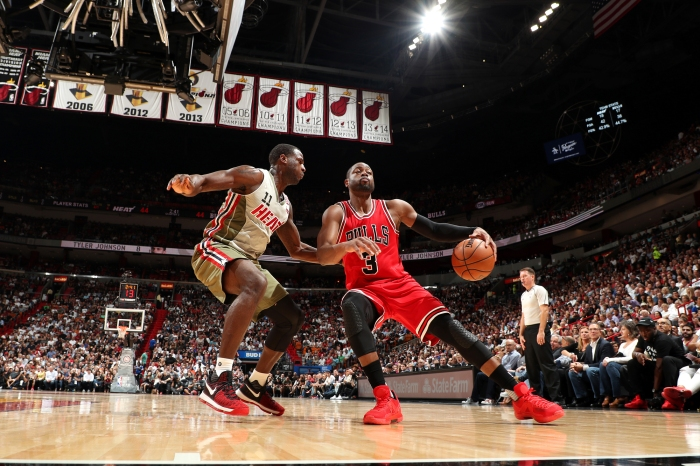 MIAMI, FL - NOVEMBER 10: Dwyane Wade #3 of the Chicago Bulls handles the ball during the game against Dion Waiters #11 of the Miami Heat on November 10, 2016 at AmericanAirlines Arena in Miami, Florida. NOTE TO USER: User expressly acknowledges and agrees that, by downloading and or using this Photograph, user is consenting to the terms and conditions of the Getty Images License Agreement. Mandatory Copyright Notice: Copyright 2016 NBAE (Photo by Joe Murphy/NBAE via Getty Images)