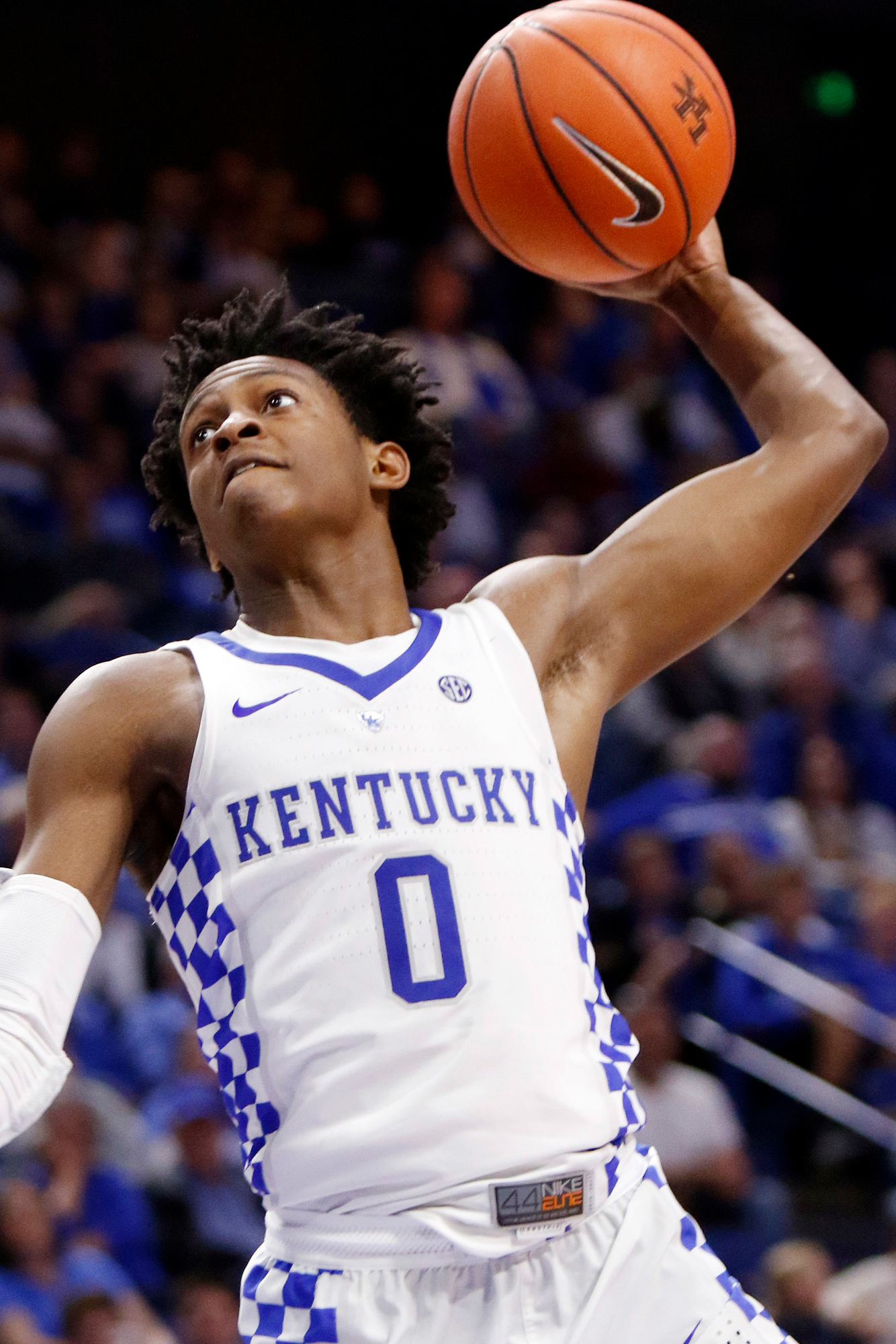 Kentucky's De'Aaron Fox goes up for a dunk during the second half of an NCAA college basketball exhibition game against Asbury, Sunday, Nov. 6, 2016, in Lexington, Ky.