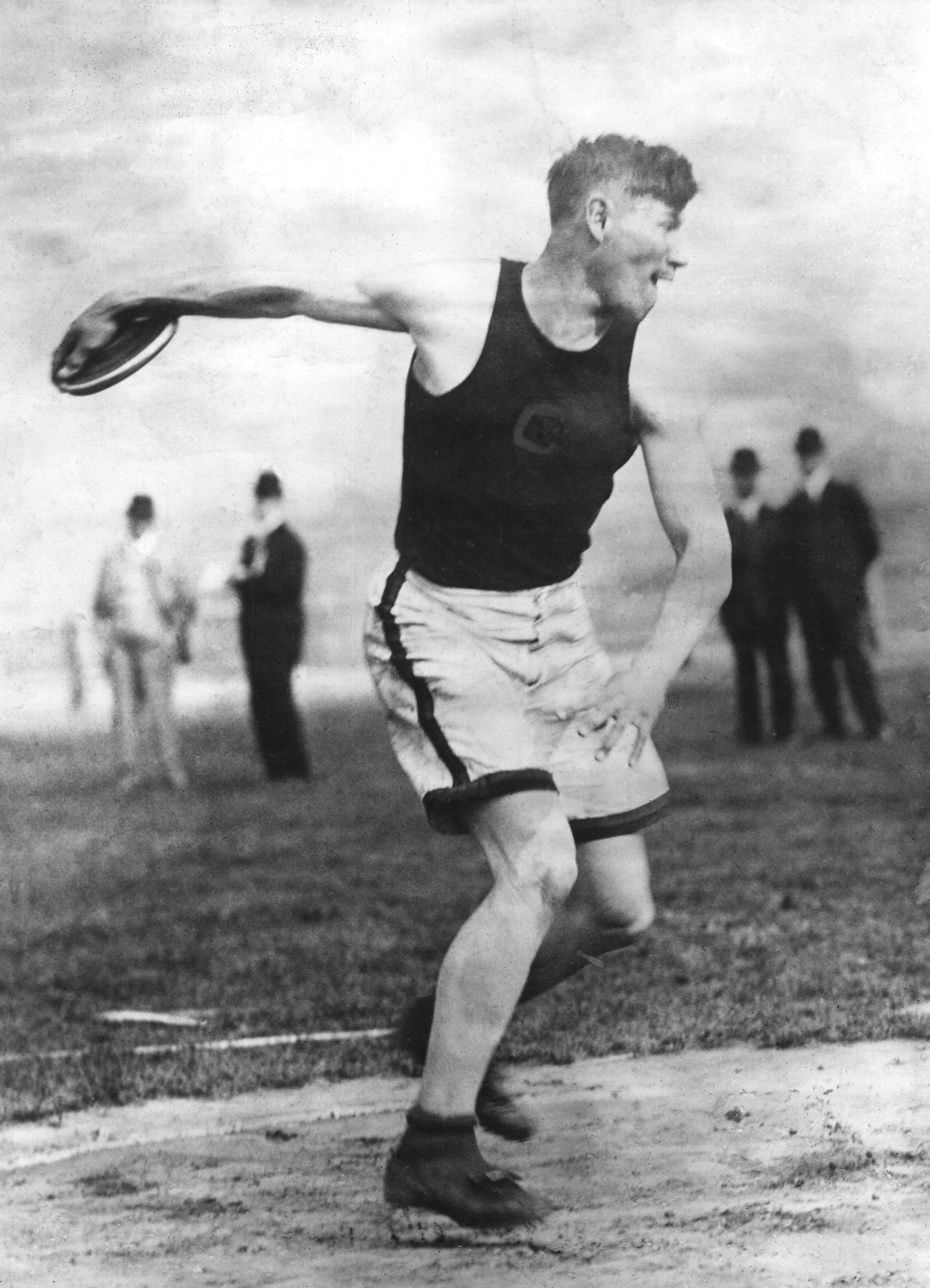 American footballer and athlete Jim Thorpe (1888 - 1953) competing for Carlisle Indian Industrial School at the US Olympic trials in Celtic Park, New York, 18th May 1912.