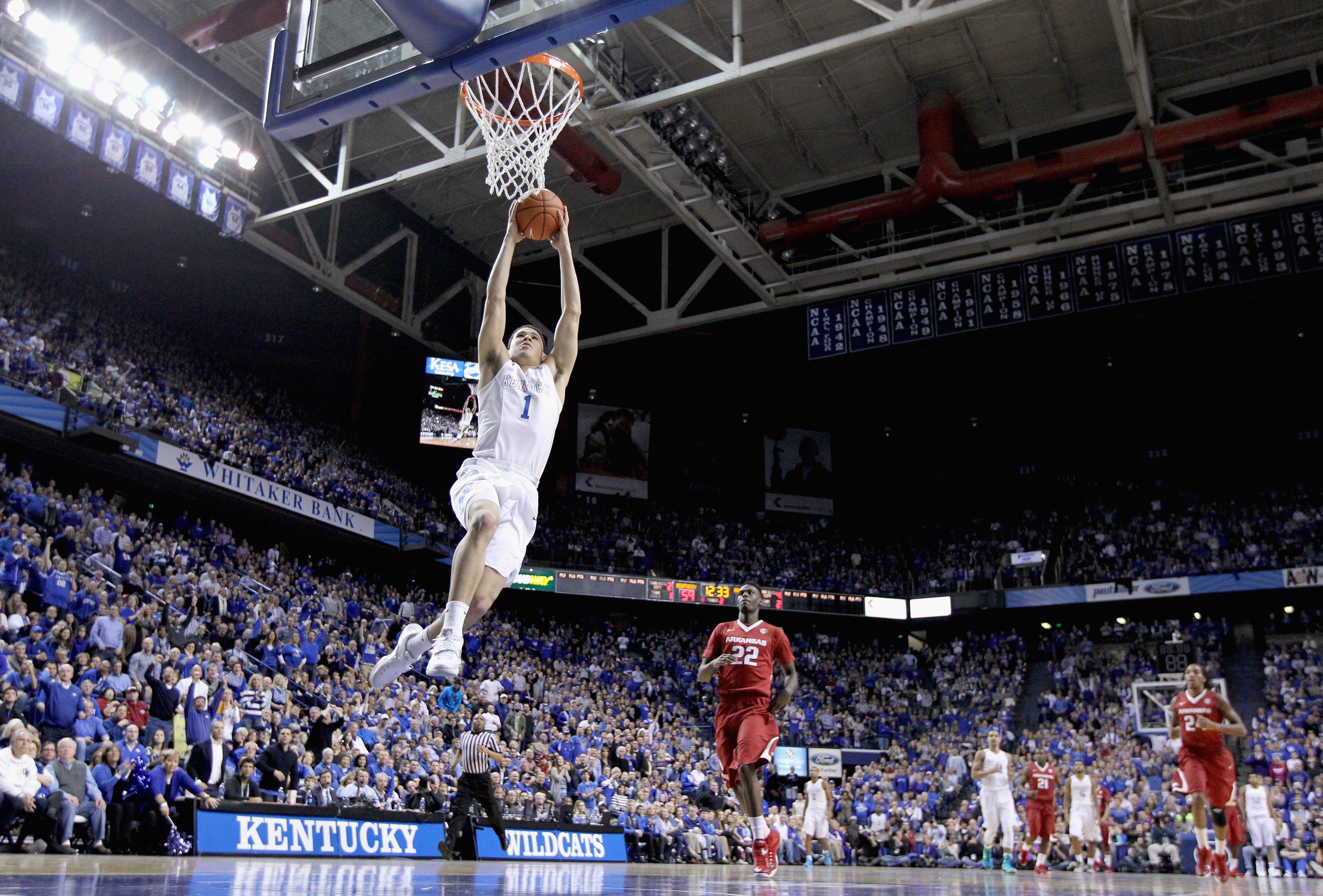 Devin Booker #1 of the Kentucky Wildcats shoots the ball during the game against the Arkansas Razorbacks at Rupp Arena on February 28, 2015 in Lexington, Kentucky.