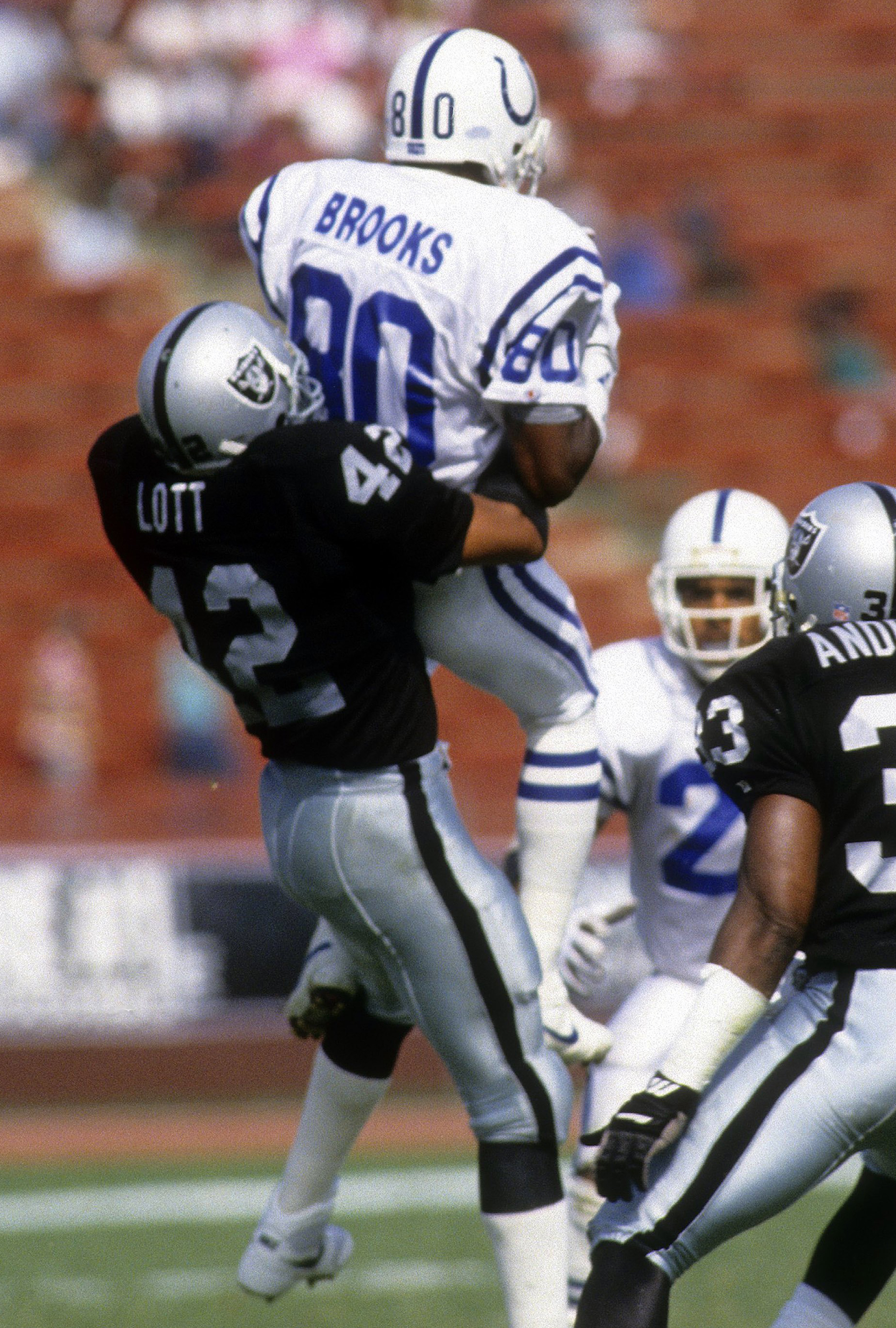 cdd3675d Ronnie Lott leading the charge to keep Raiders in Oakland