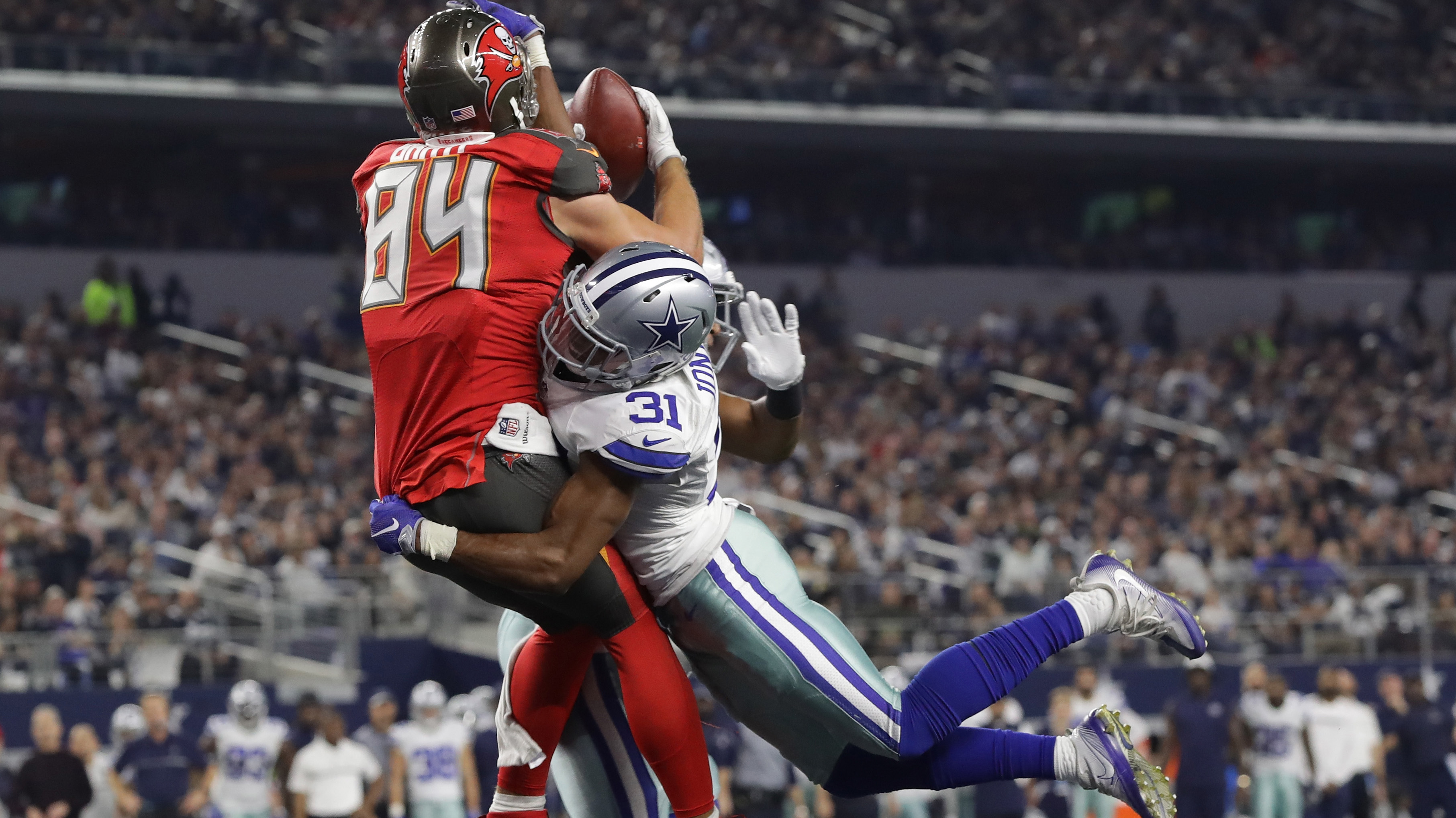 Tampa Bay Buccaneers v Dallas Cowboys