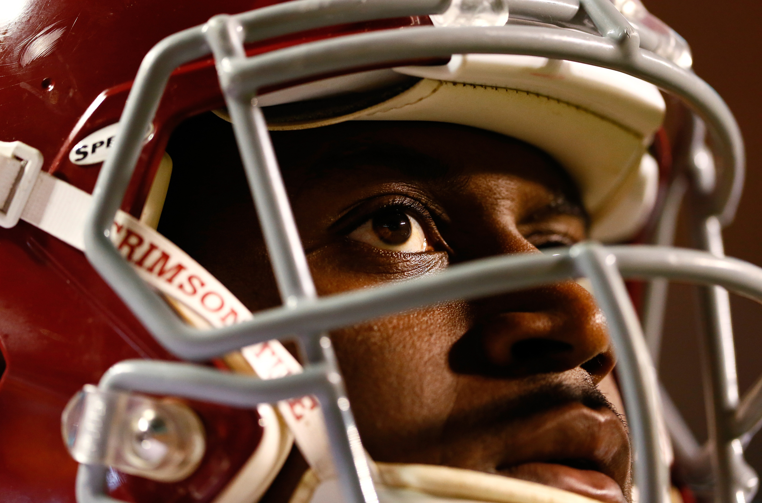 Blake Sims #6 of the Alabama Crimson Tide waits for a kickoff by the Tennessee Volunteers at Neyland Stadium on October 25, 2014 in Knoxville, Tennessee.