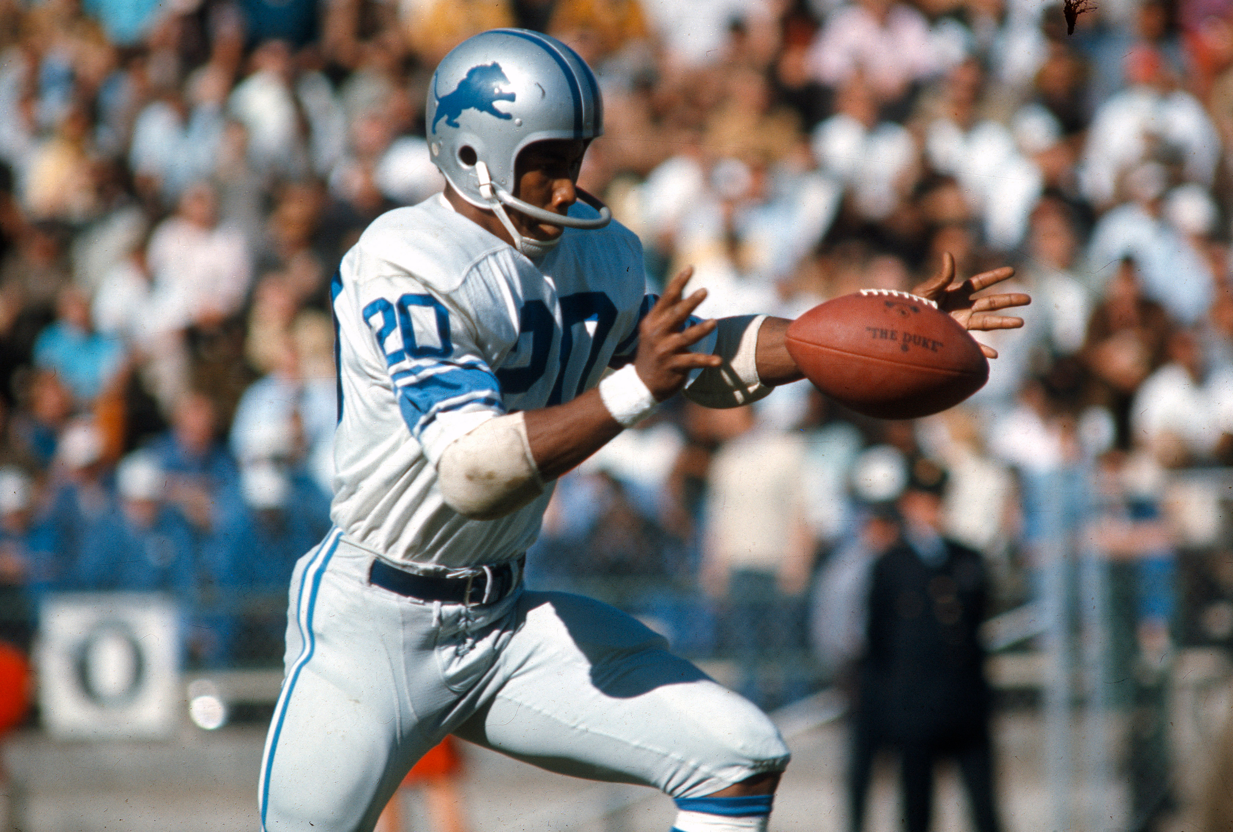 Lem Barney #20 of the Detroit Lions punts the ball against the San Francisco 49ers during an NFL football game October 29, 1967 at Kezar Stadium in San Francisco, California. Barney played for the Lions from 1967-77.