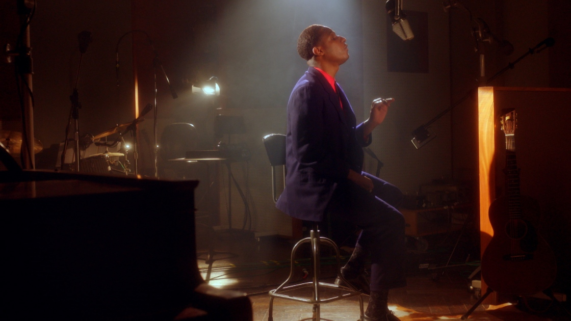 Leon Bridges at his piano