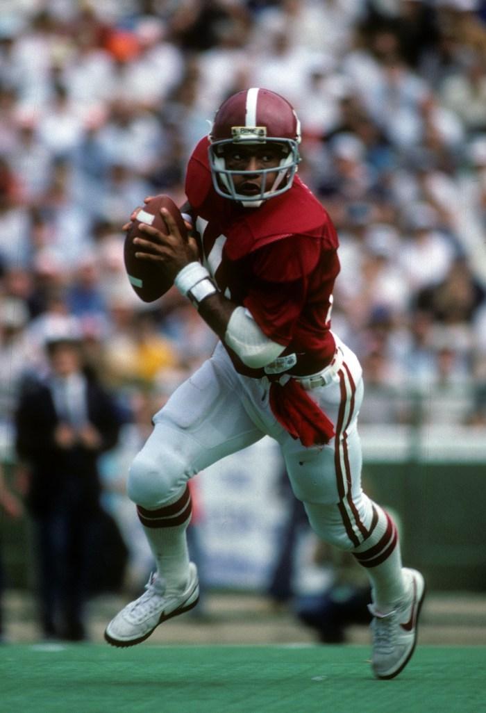Alabama Crimson Tide quarterback Walter Lewis (10) in action at Bryant-Denny Stadium.