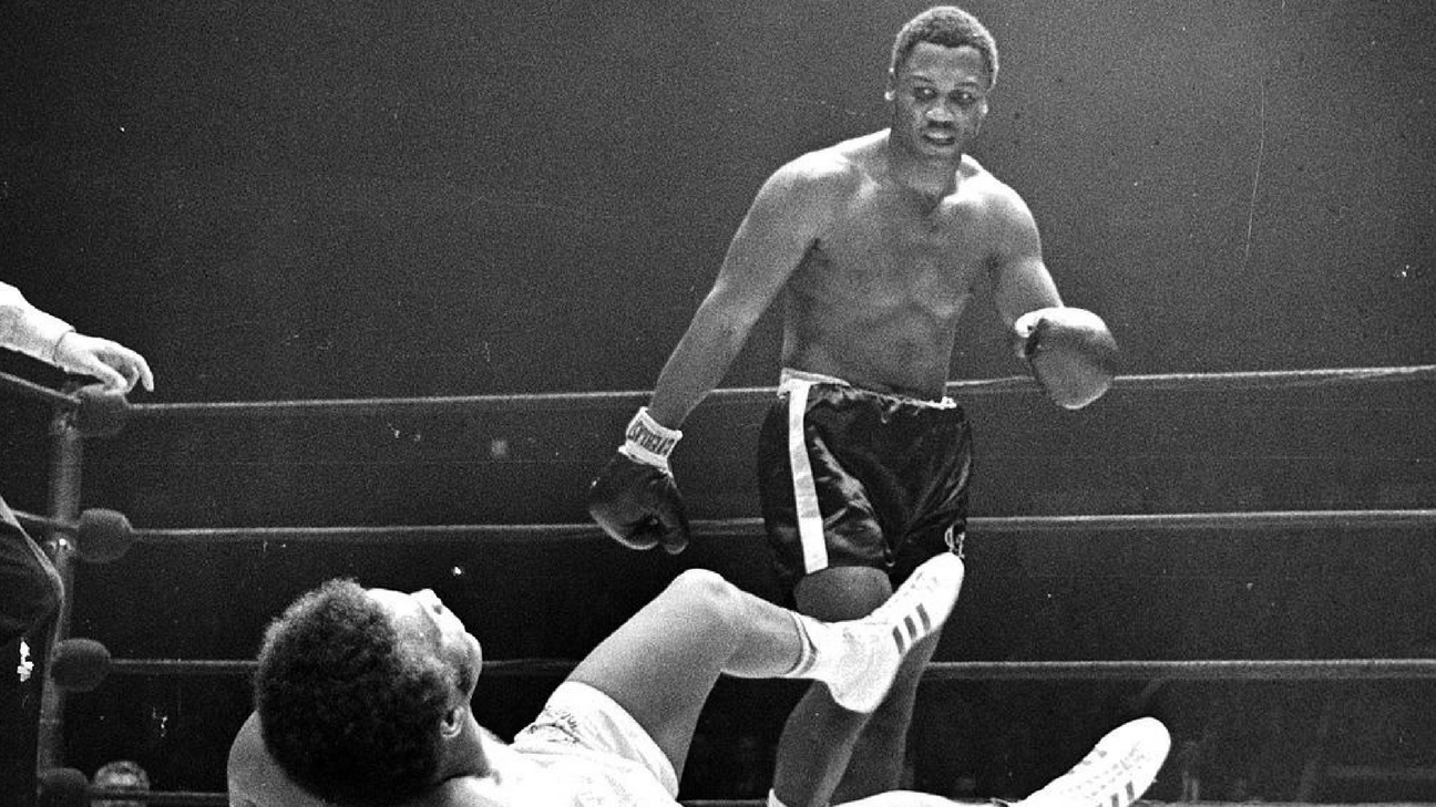 joe-frazier-knocks-out-ellis