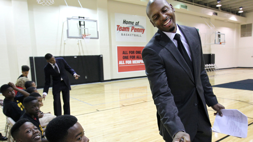 Penny Hardaway's high school prep team wins again