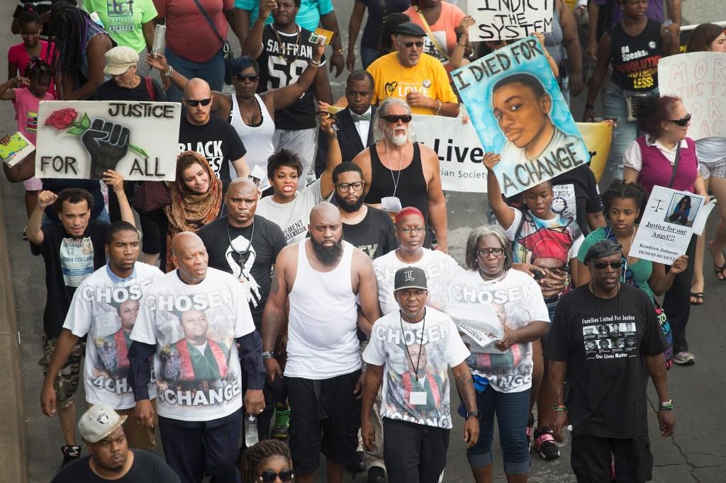 9da7ab459 Video calls Michael Brown  robbery  in Ferguson into question