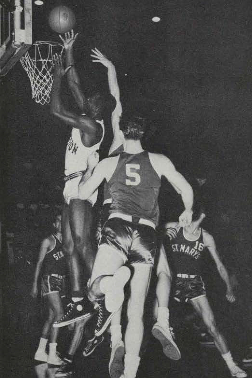 5077d8bcaa2e Oregon basketball team s first out-of-state black player paved the ...