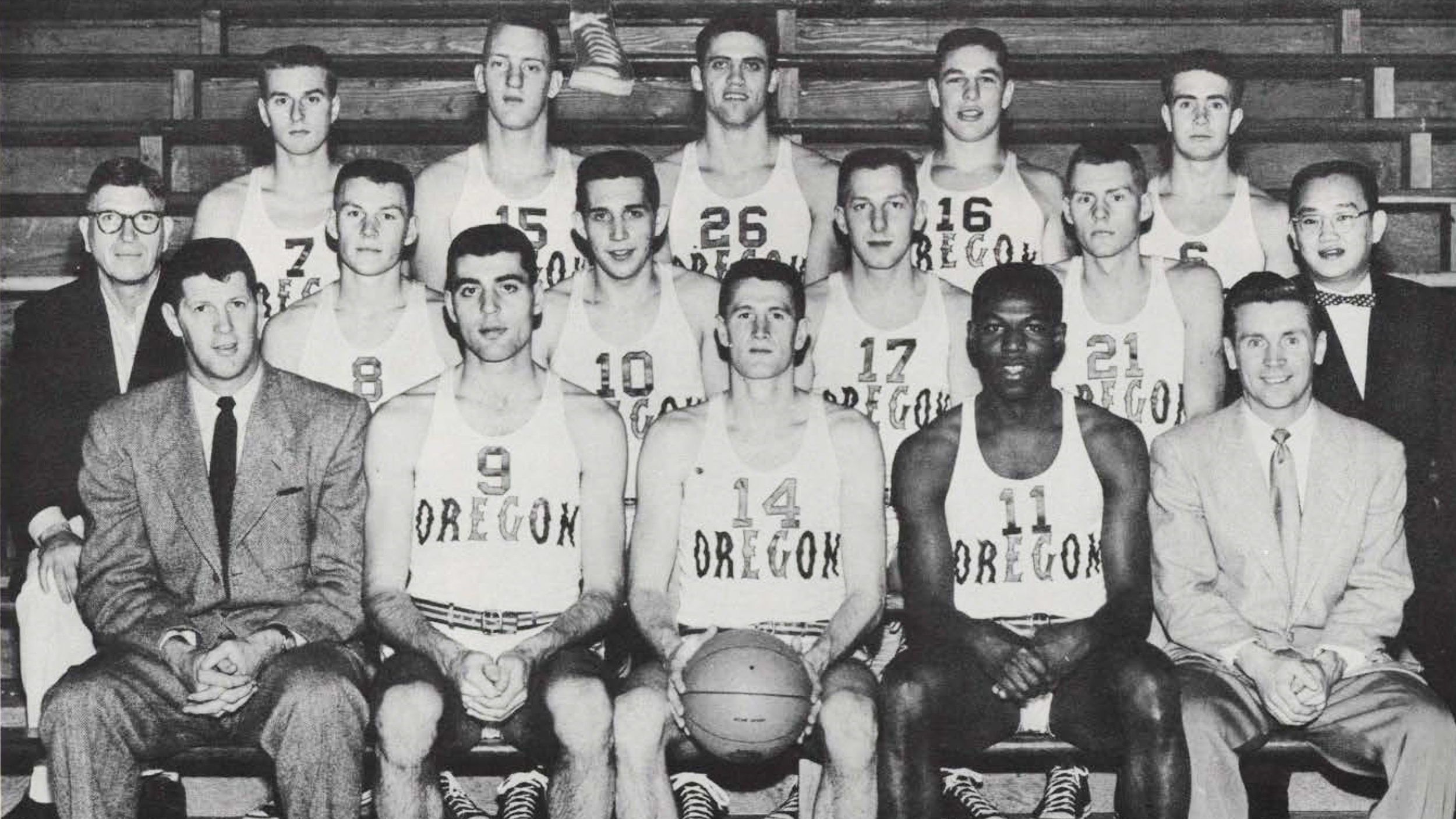 271c062278f0 Oregon basketball team s first out-of-state black player paved the way with  his struggles and success