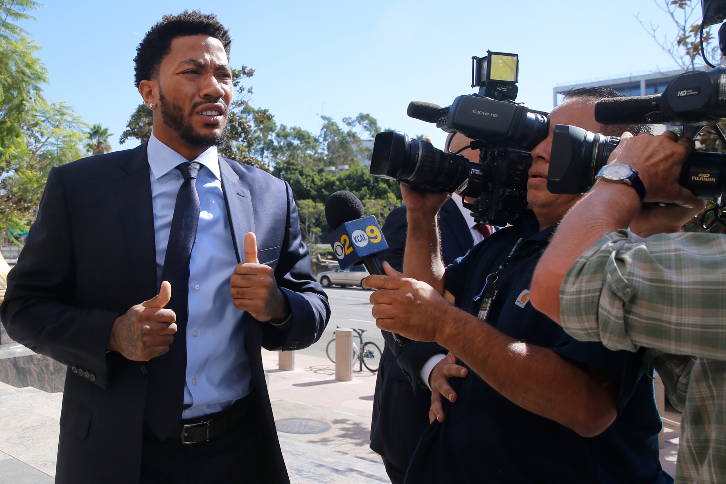 0dcbf70166c5 New York Knicks basketball player Derrick Rose arrives at U.S. District  Court in downtown Los Angeles on Thursday