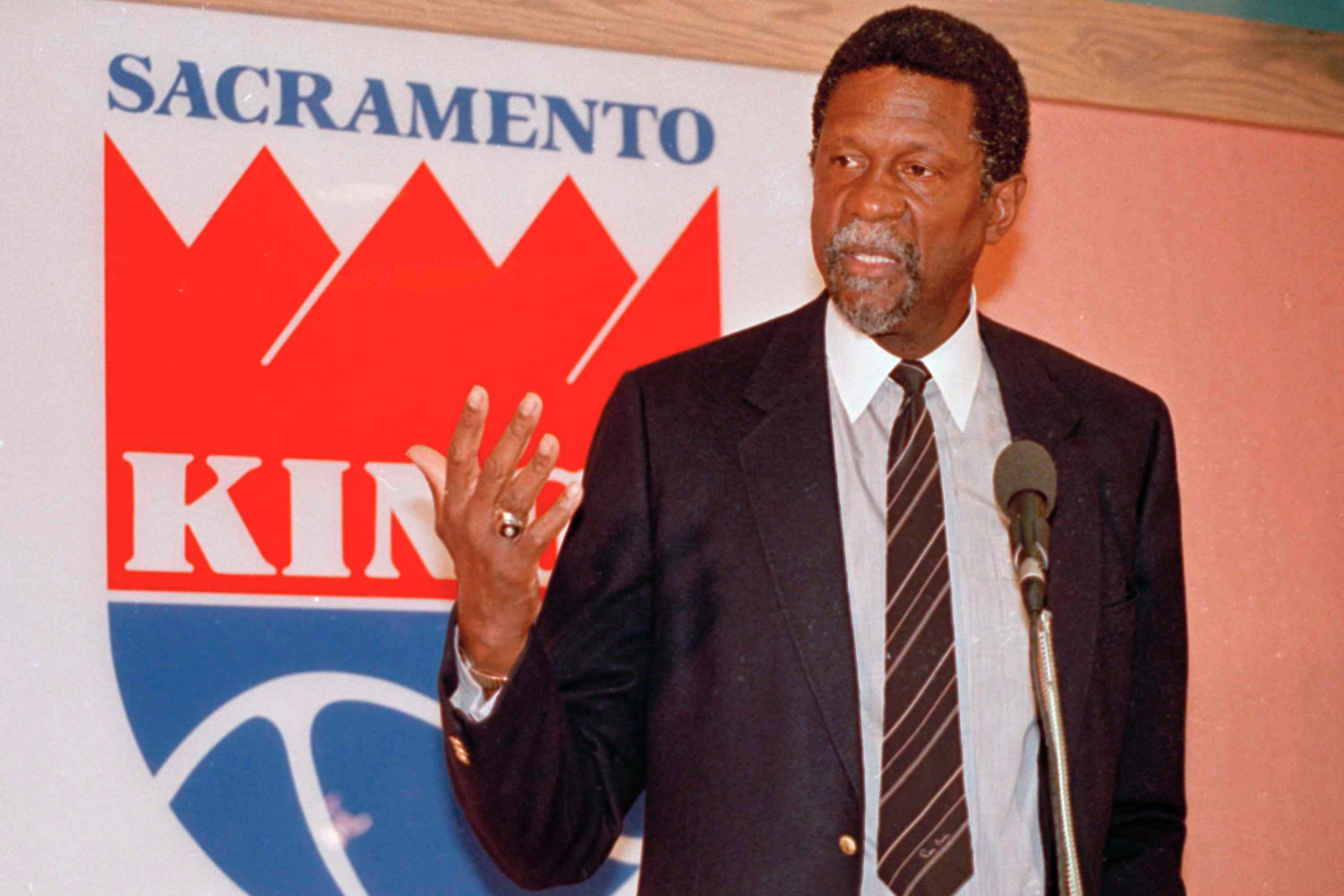 Bill Russell Made History As The Nba S First Black Head Coach
