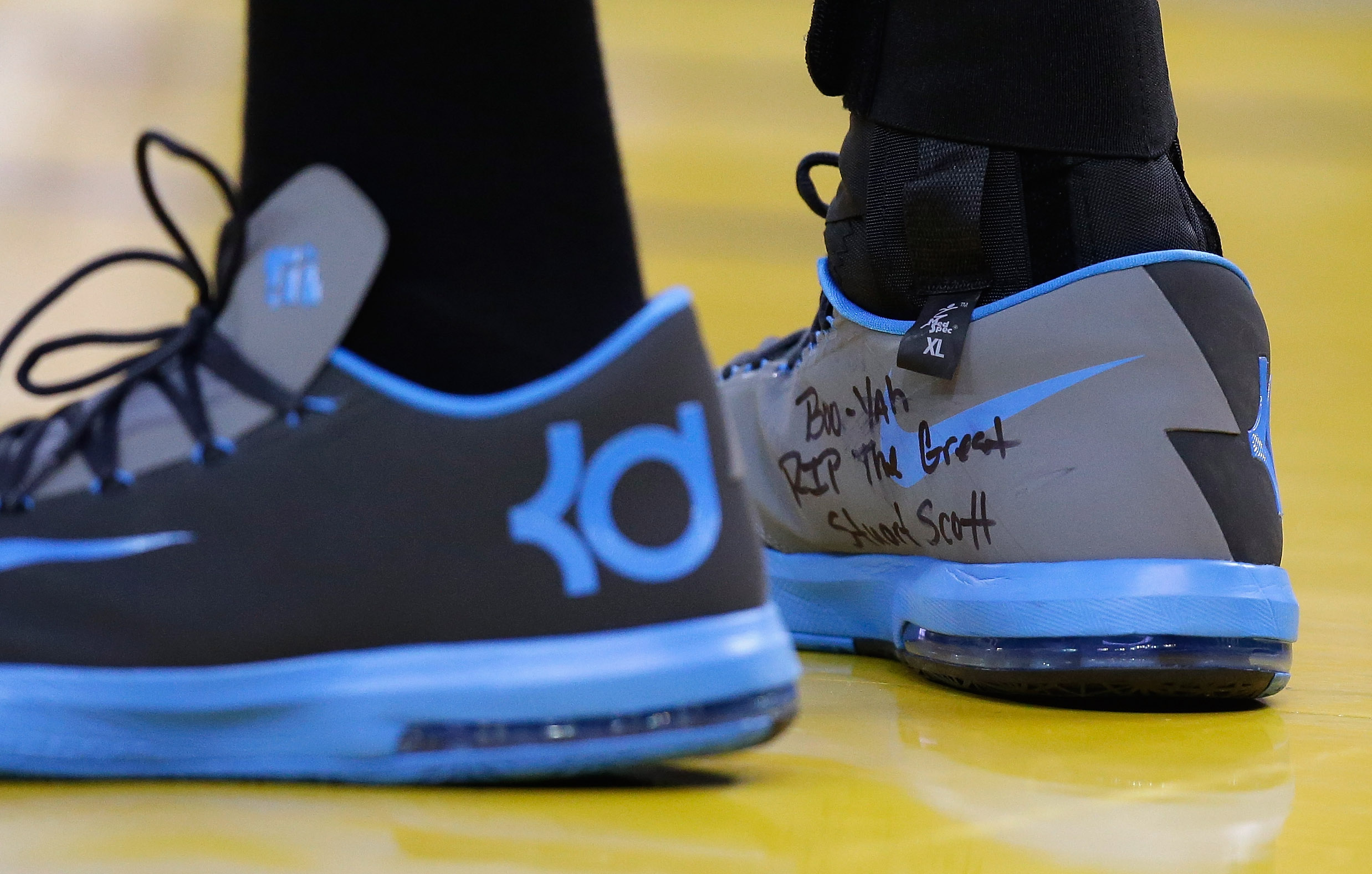 """sale retailer f6be5 74ad4 When Stuart Scott died of cancer in early 2015, Kevin Durant scribed the  longtime ESPN broadcasters trademark phrase """"Boo-Yah"""" above the words """"RIP  The ..."""