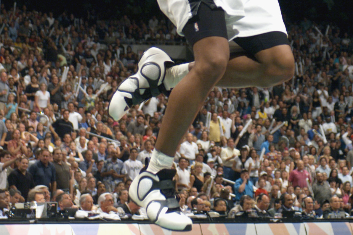 4ea88a89e98 33) of the San Antonio Spurs goes up for a shot during Game 3 of the  Western Conference semifinals during the 2002 NBA Playoffs against the Los  Angeles ...