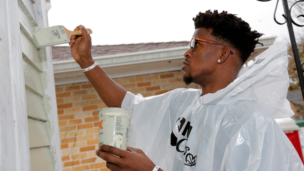 Jimmy Butler Receives Nba Cares Community Assist Award For April