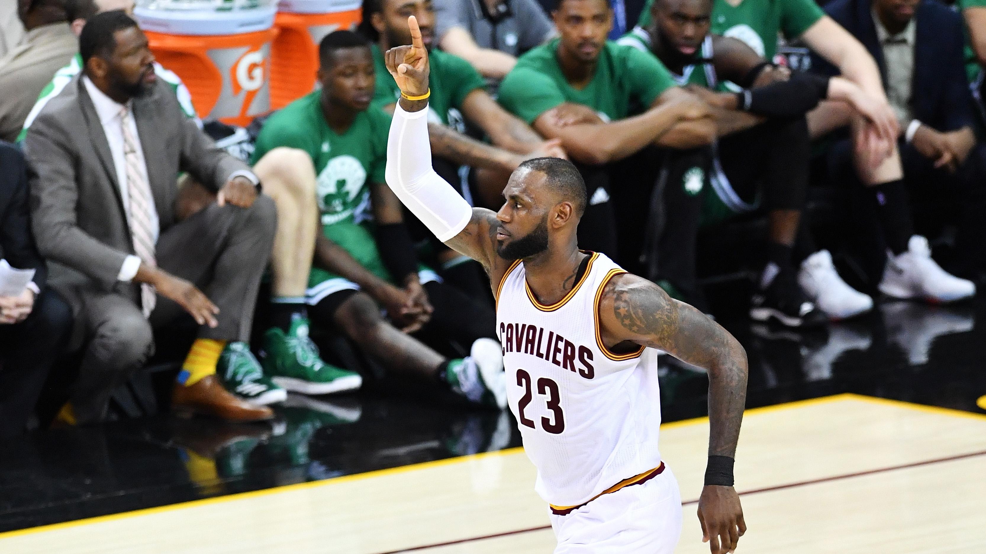 LeBron James needs 28 points to surpass