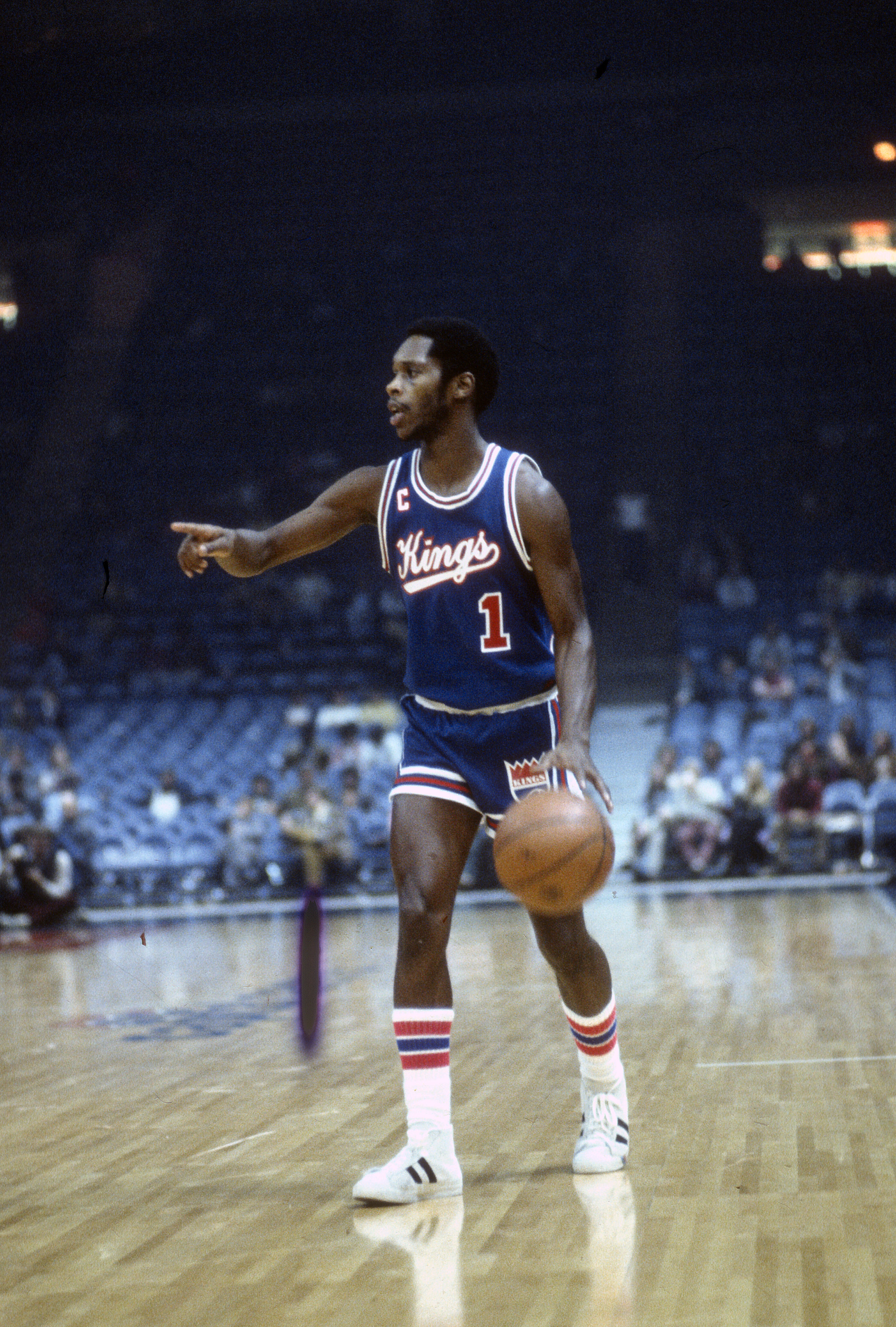 0cee2fd27 Nate Archibald of the Kansas City Kings dribbles the ball up court against  the Washington Bullets during an NBA basketball game circa 1975 at the  Capital ...
