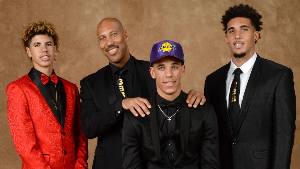 Lavar Ball Achieves His Goal With Three Pros But Was It Done At Liangelo S And Lamelo S Expense