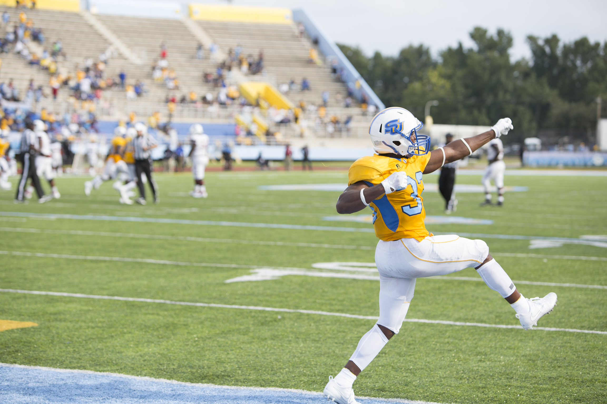 September 3,2017: In The First Game Of The Season, Southen University  Jaguars Outlasted The South Carolina State Bulldogs 14 8. (L. Kasimu Harris  For The ...