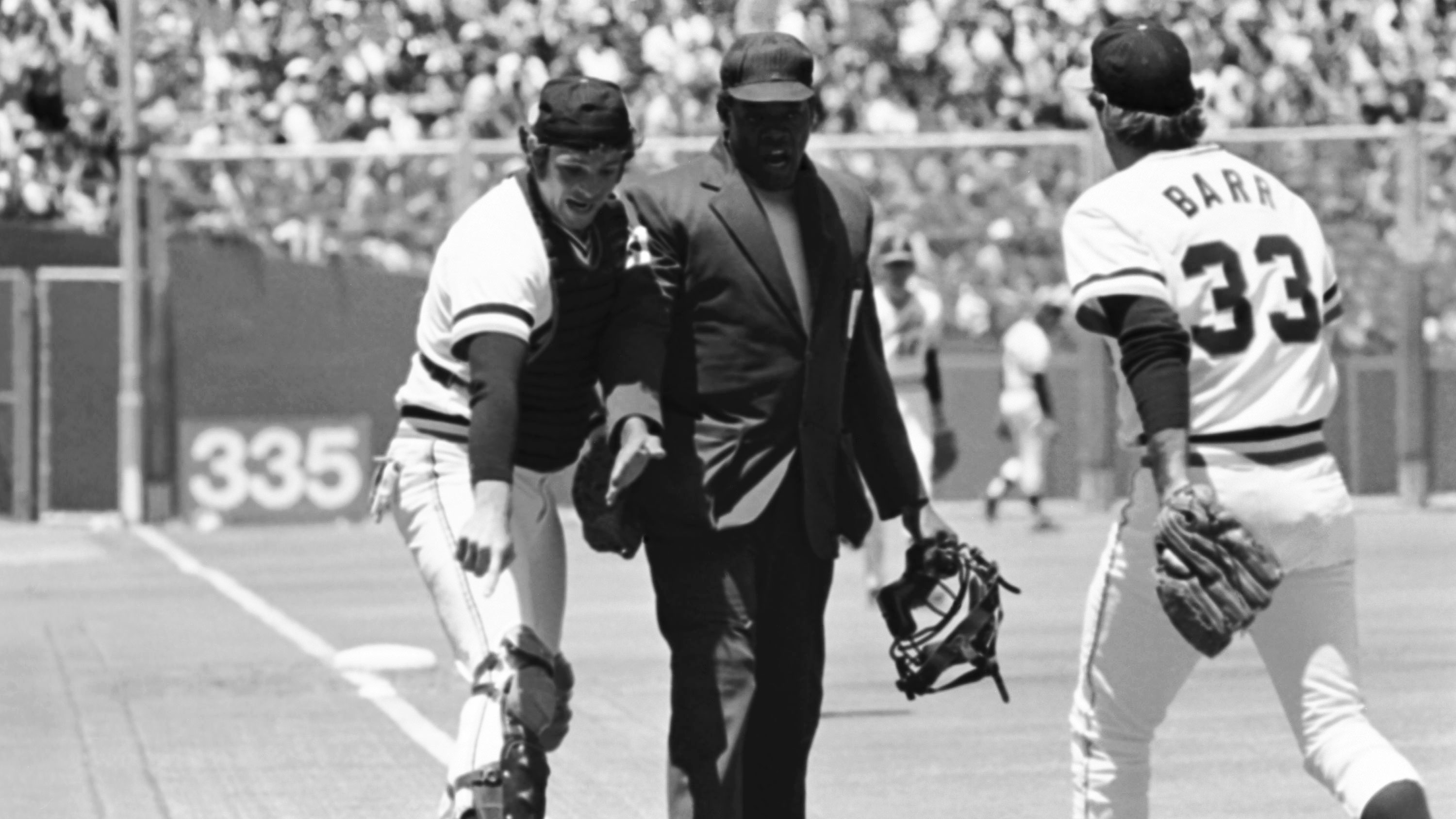 Marc Hill and Art Williams MLB Argue 1977