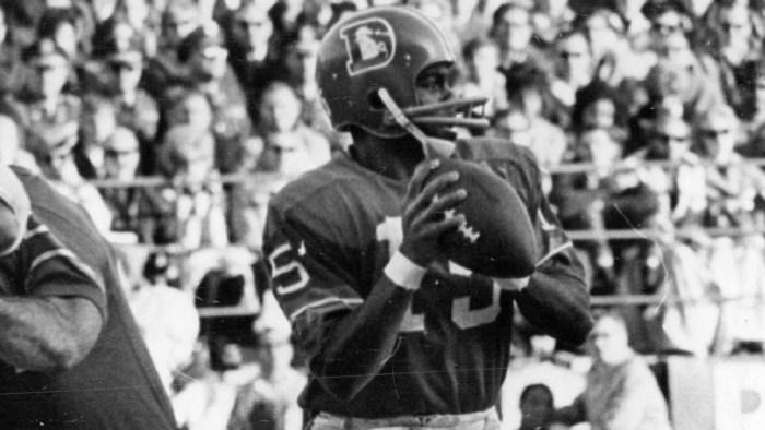 DEC 14 1968, DEC 15 1968; Denver Broncos (Action); Denver quarterback Marlin Briscoe is unaware that