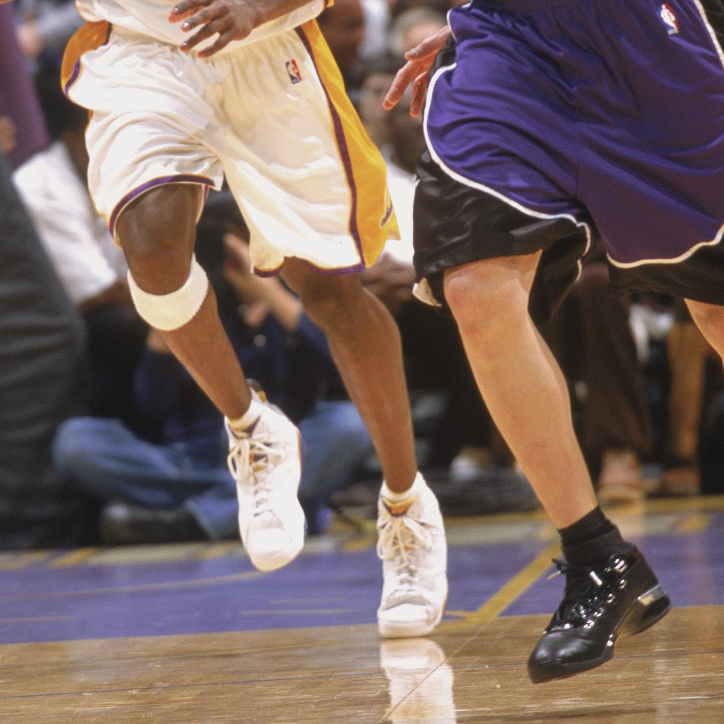 217d0e9e0 2002 Kobe Bryant in Air Jordan 7 PE Mike Bibby in Air Jordan 17