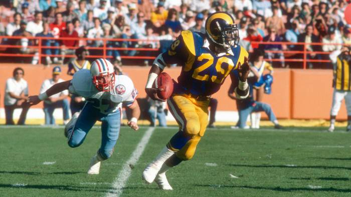 The day Eric Dickerson took the NFL s single-season rushing record from  O.J. Simpson 0ebf28ebc
