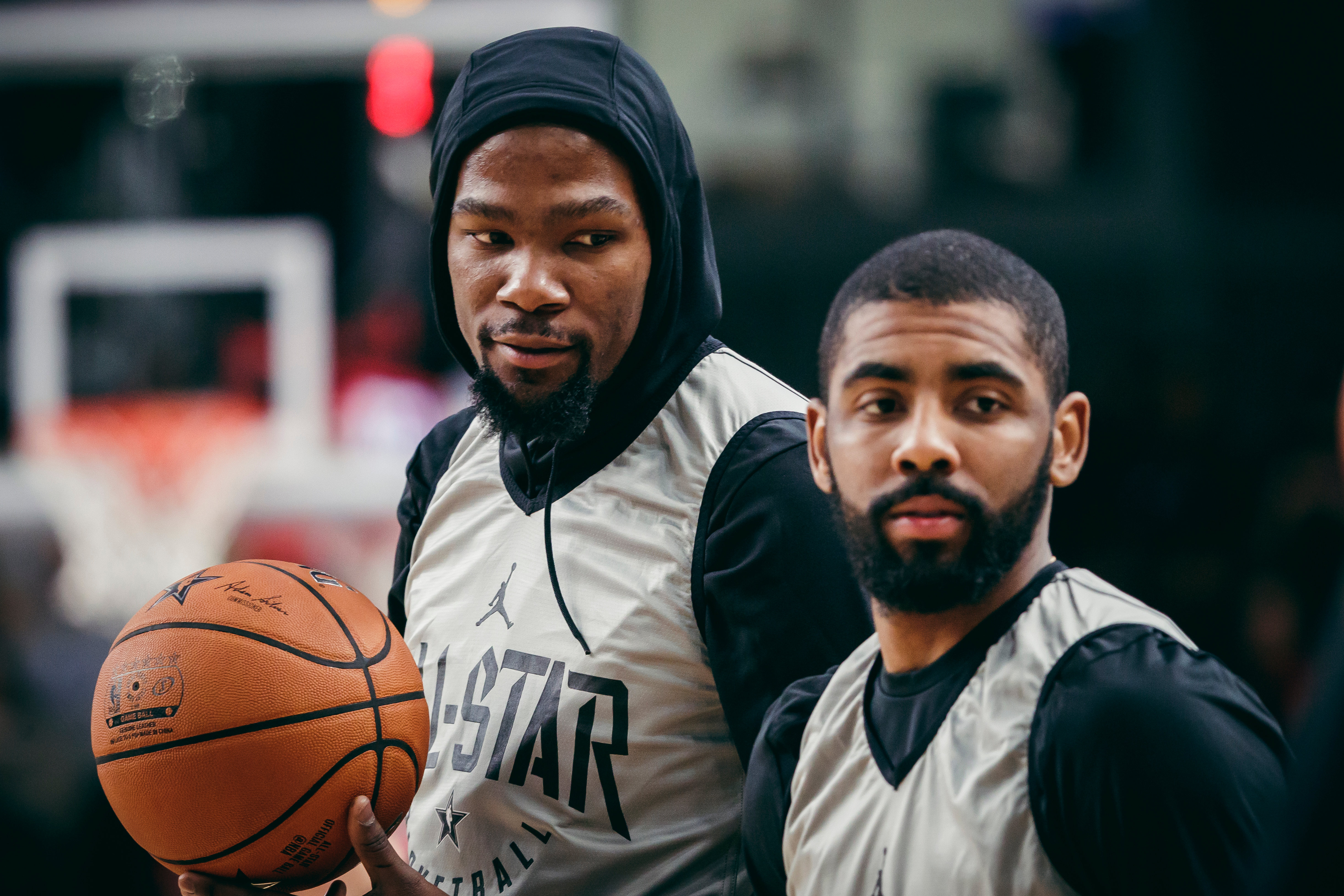22302158cece Kevin Durant (left) and Kyrie Irving at the NBA All-Star practice.