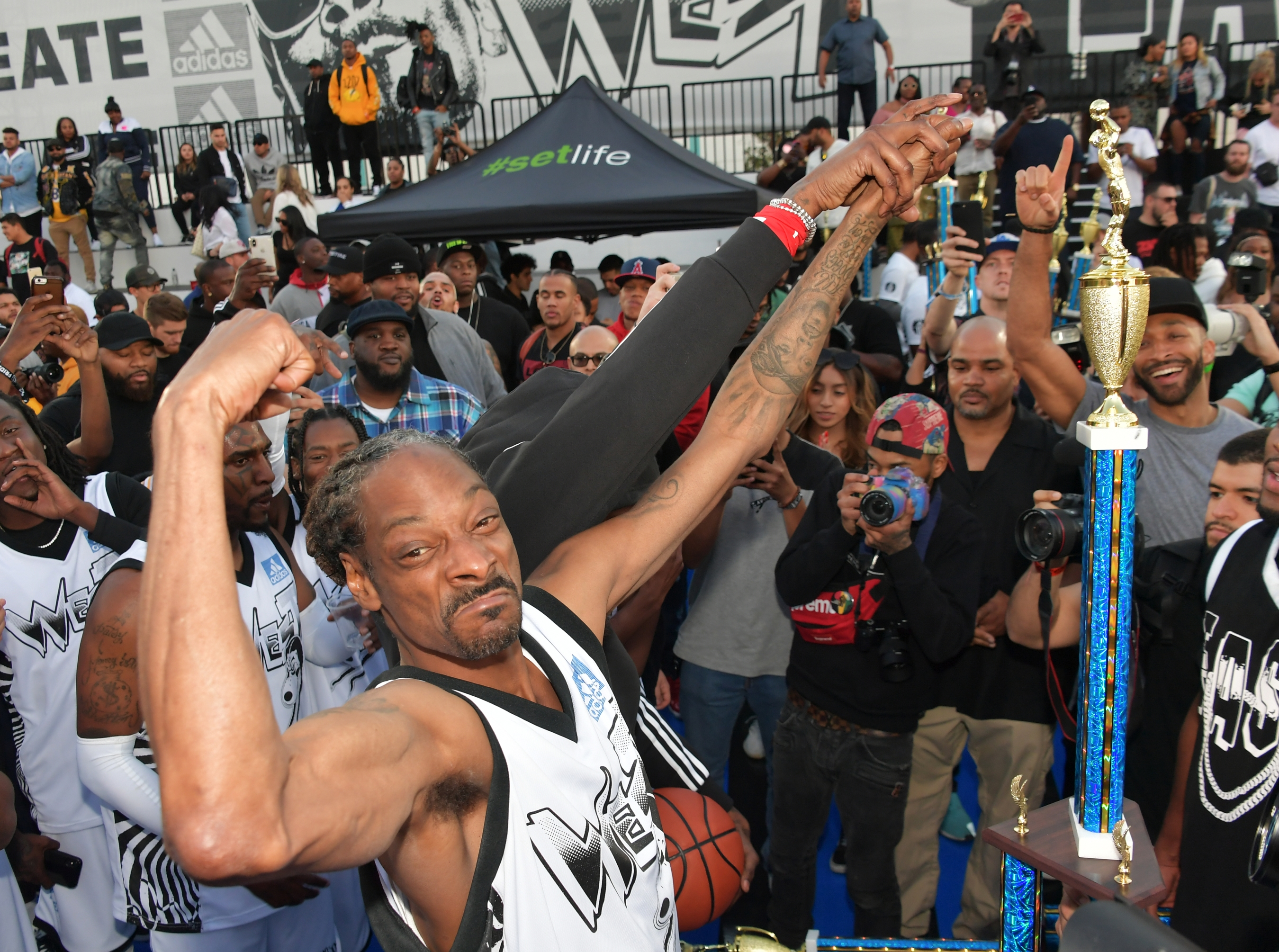 32e19318ae2 Snoop Dogg s West Team beats 2 Chainz s East in Adidas Celebrity Game
