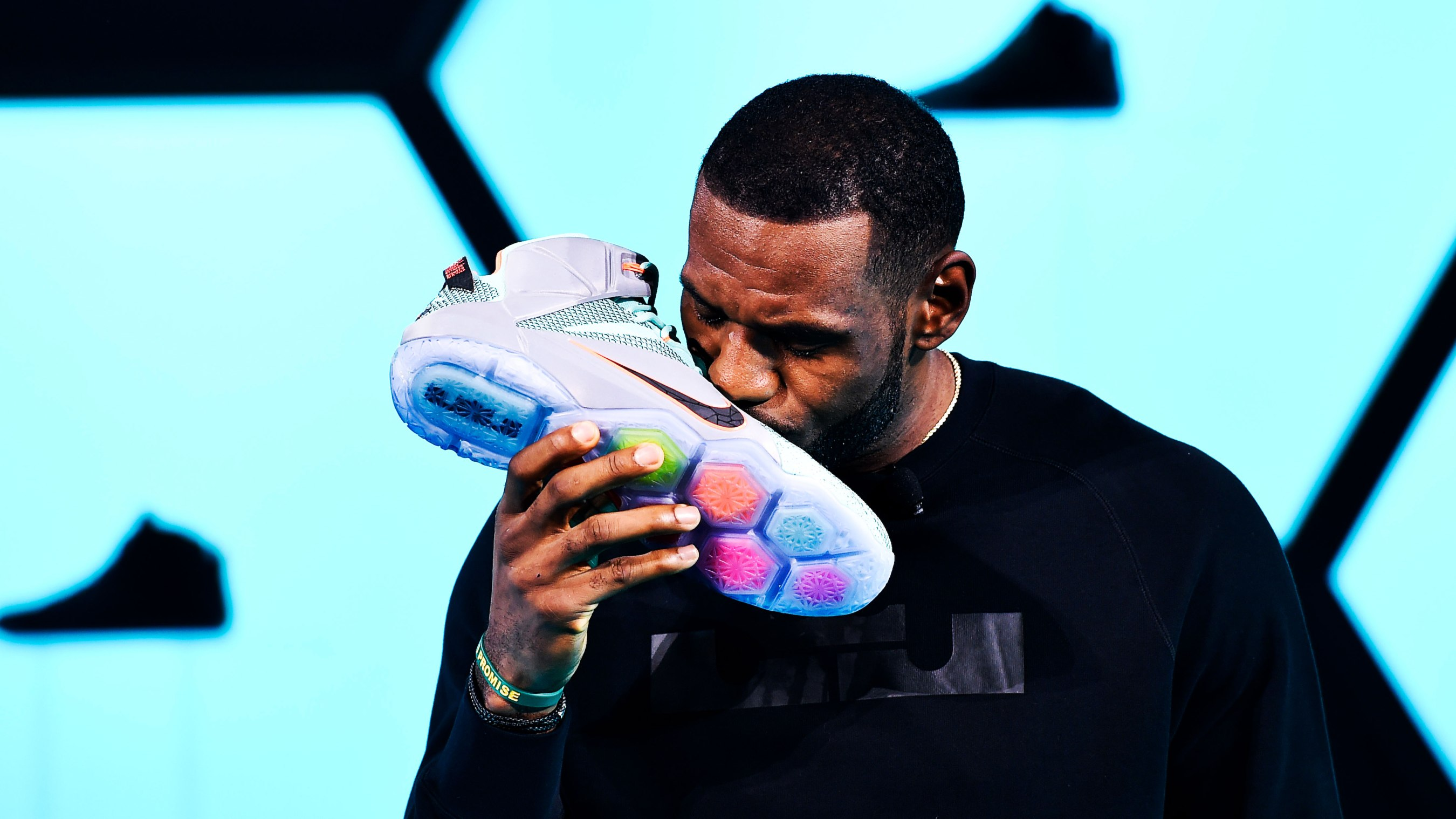 wholesale dealer 4dc6f 78d8e Fifteen years ago, Reebok and Adidas wanted him badly — so how exactly did LeBron  James end up with Nike