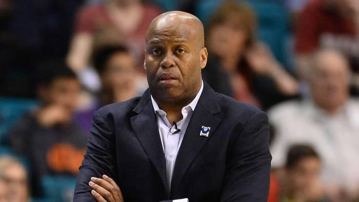 c1ef98096bea Craig Robinson helps shape next generation of Knicks