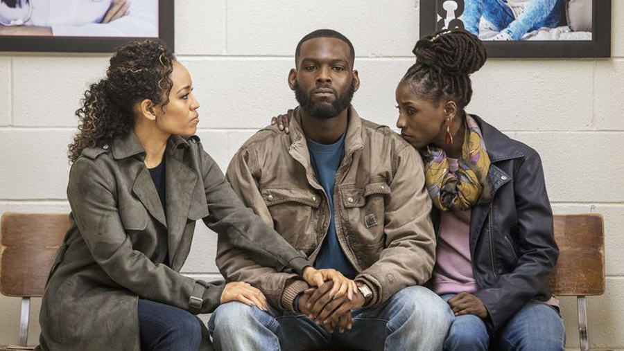In its Season 3 premiere, 'Queen Sugar' delivers a kneeling episode after ABC balked with 'black-ish'