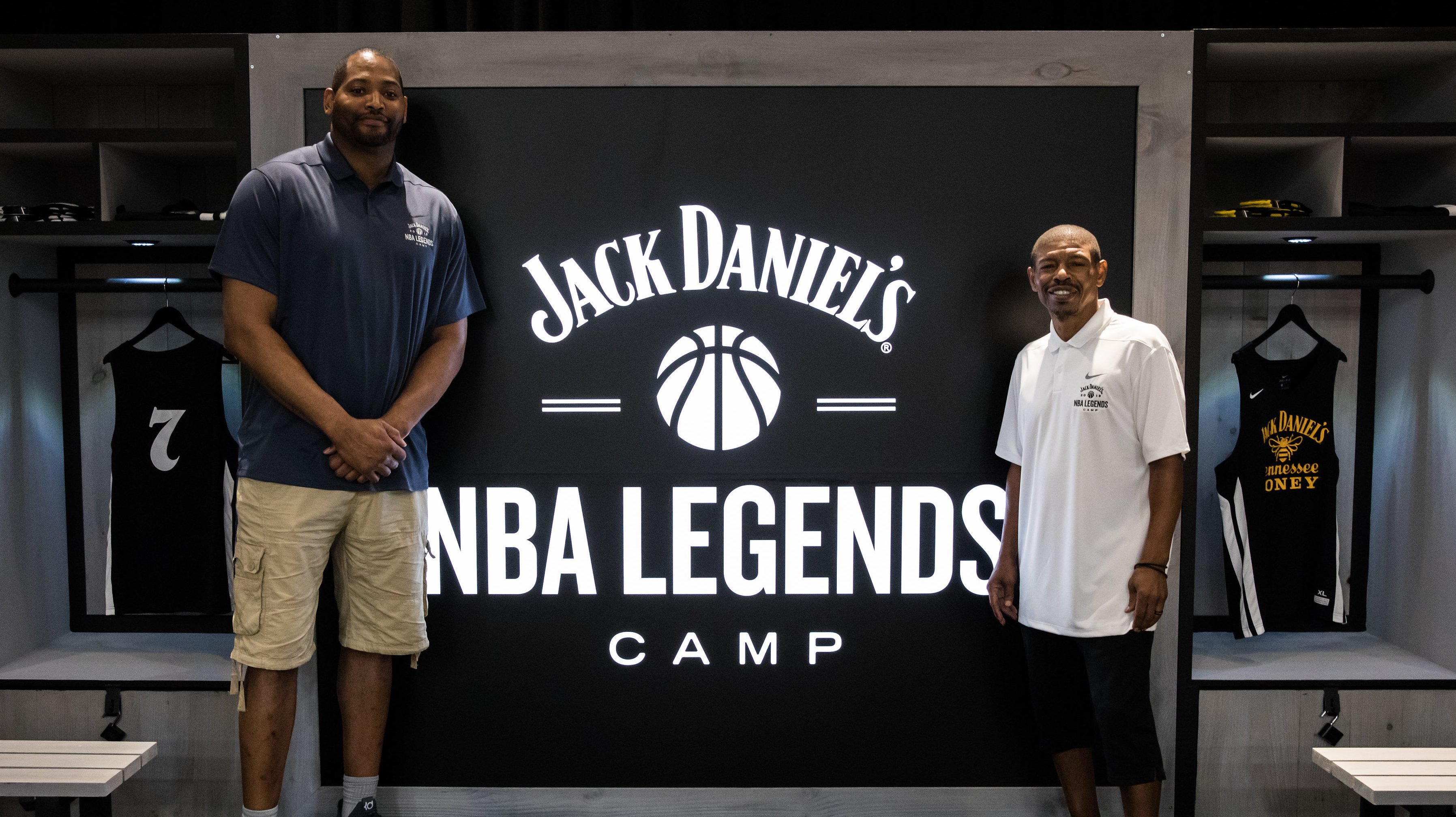 Former NBA players Robert Horry (left) and Muggsy Bogues (right) participate in the 2018 Jack Daniel's NBA Legends Camp.