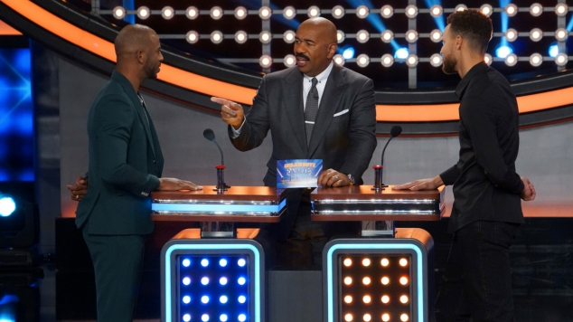 19b971007587 Chris Paul s and Stephen Curry s families face off on  Family Feud