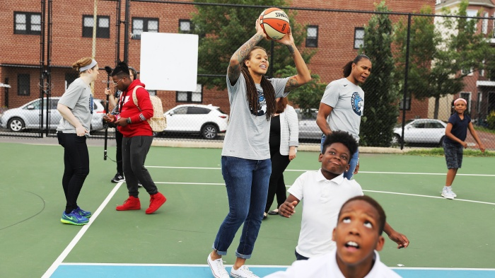 551f4021f3f8 Lynx celebrate WNBA championship with D.C. students
