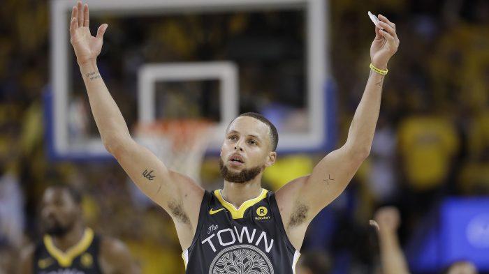 5b939b4861cd Stephen Curry has signature playoff performance