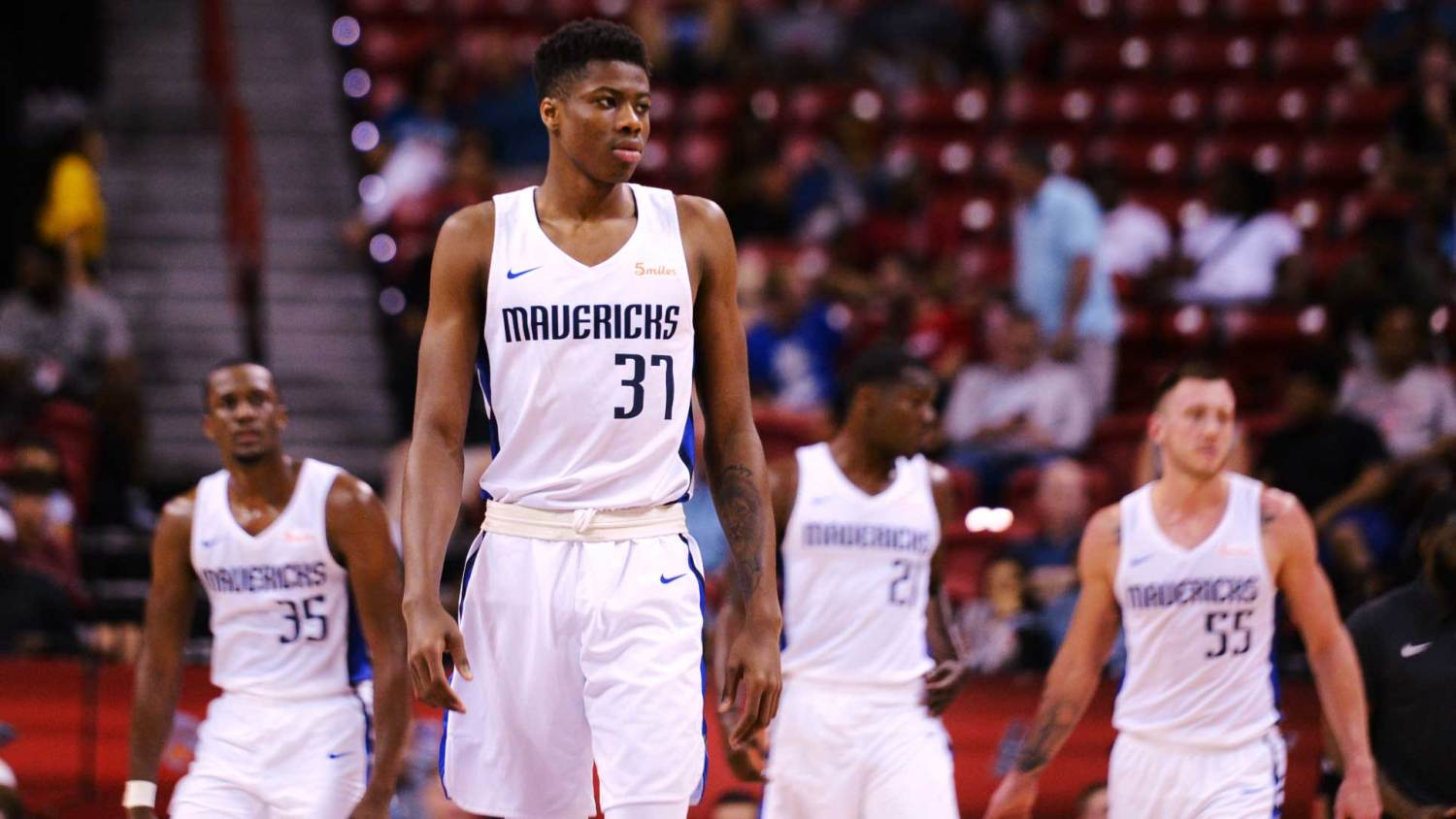 Dallas Mavericks' Kostas Antetokounmpo: 'I told Giannis I'm gonna