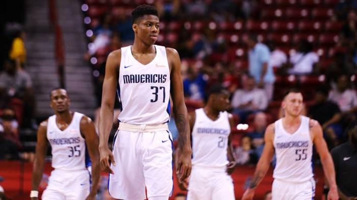 Dallas Mavericks' Kostas Antetokounmpo: 'I told Giannis I ...