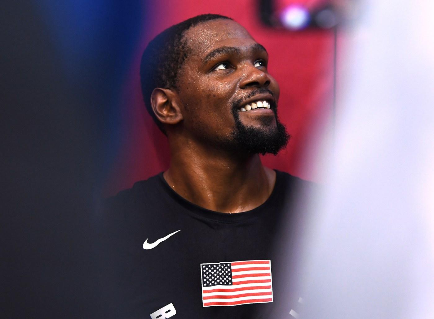 Bên cạnh Kobe Bryant và LeBron James, siêu sao NBA nào là nhà đầu tư tài ba trên thương trường? - Ảnh 3.