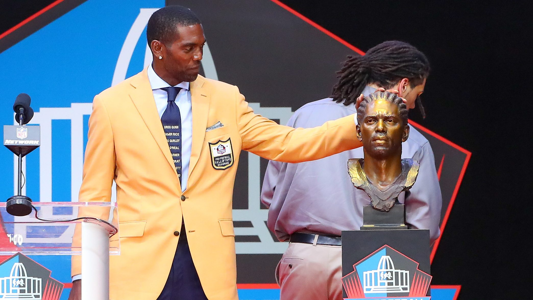 NFL: AUG 04 Hall of Fame Enshrinement Ceremony