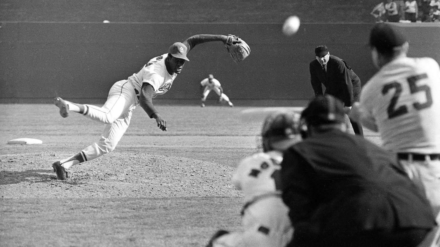 In a year of assassinations, an angry Bob Gibson pitched his way into the  record books